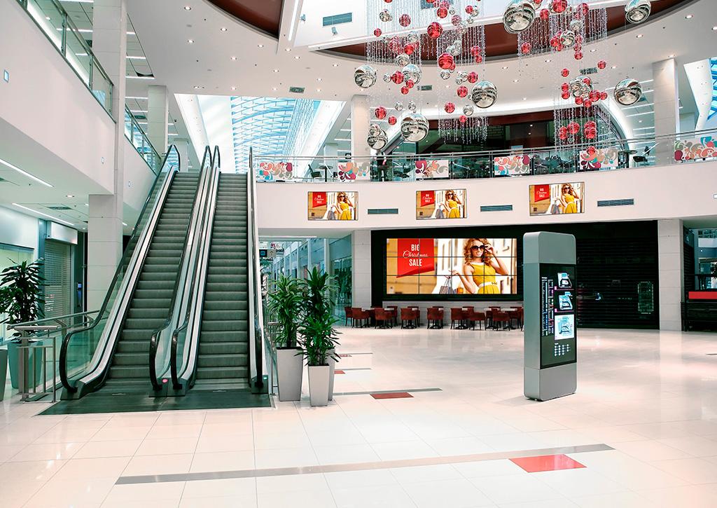 Inovação da retomada gradual das atividades Digital Signage Panasonic - Revista Shopping Centers