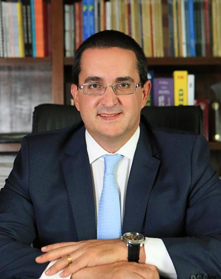 Osmar Paixão Cortês fala sobre a Lei Geral de Proteção de Dados e os impactos trabalhistas - Revista Shopping Centers