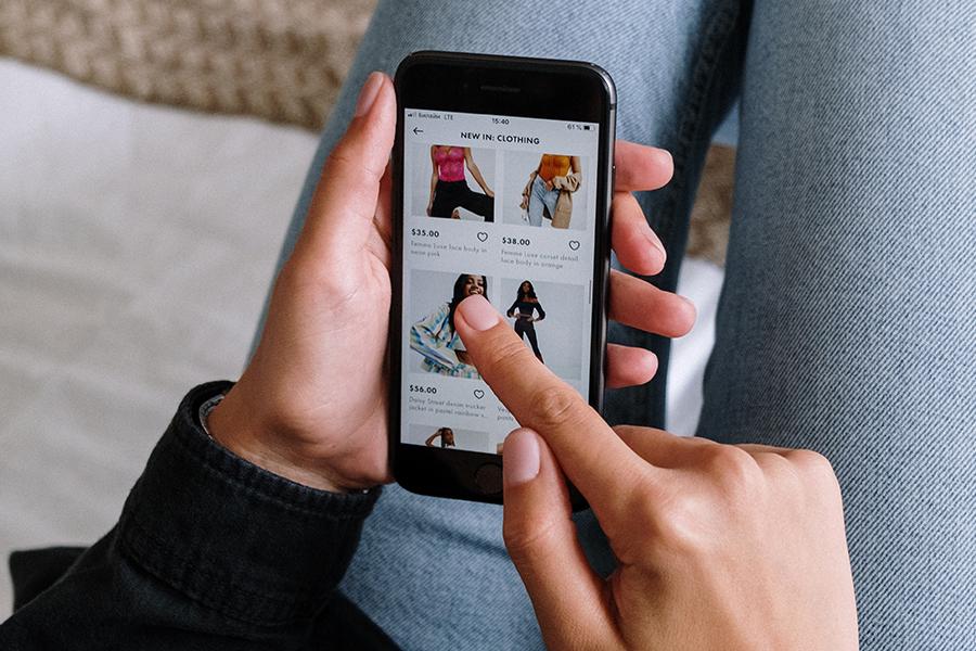 Diferenças entre compra física e  online - Revista Shopping Centers