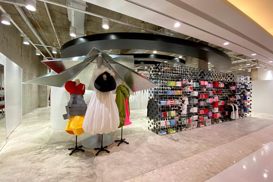 Comme des Garçons Bangcoc - Revista Shopping Centers