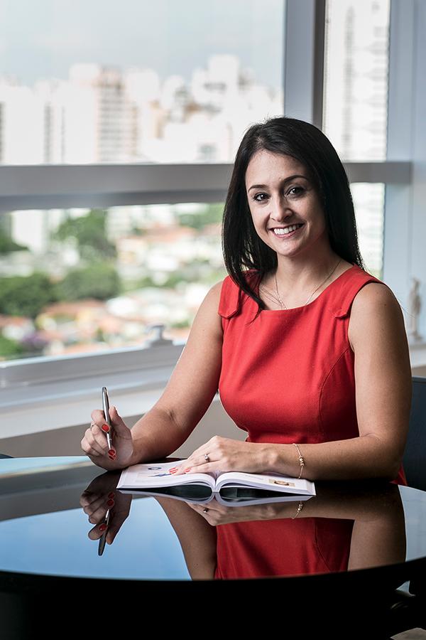 Gisele Pimentel fala sobre livre iniciativa nos contratos de locação - Revista Shopping Centers