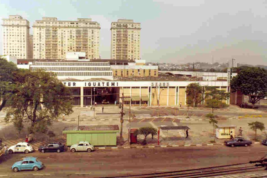 Shopping Iguatemi Porto Alegre  1986  Pioneiros do setor - Revista Shopping Centers