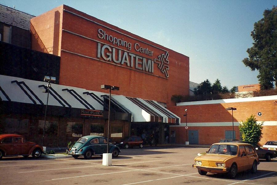Shopping Iguatemi Porto Alegre 1992 - 45 anos Abrasce  Pioneiros do setor - Revista Shopping Centers